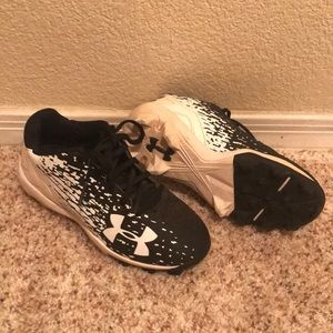 Under Armour size 12 boys cleats.